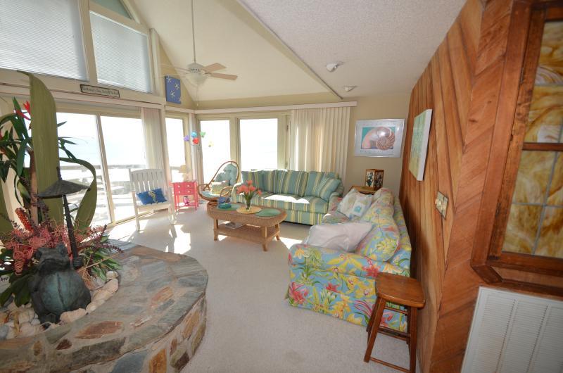 Fabulous open floor plan living room - Up, Up, & Away~ Oceanfront 3bd/3ba PET FRIENDLY! - Emerald Isle - rentals