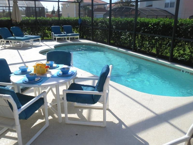 Large Private Pool Deck - WINNER 2013 GOLD TOP VACATION RENTAL  AWARD - Orlando - rentals