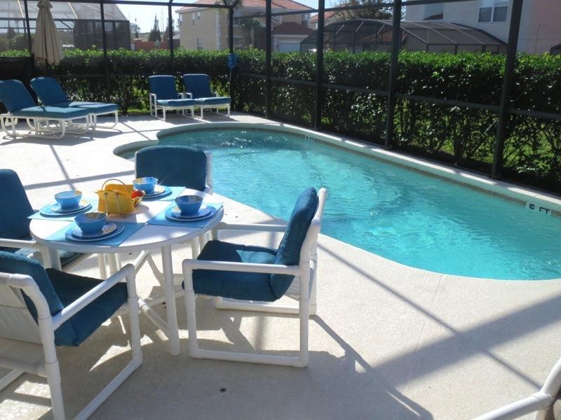 Large Private Pool Deck - WINNER 2013 GOLD TOP VACATION RENTAL  AWARD - Orlando - rentals