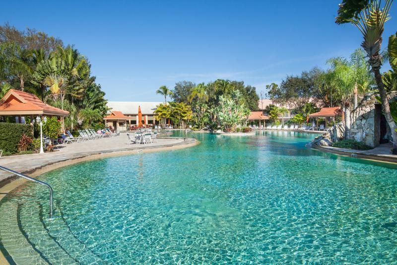 Beautiful Lake View Condo in Tropical Development - Image 1 - Naples - rentals