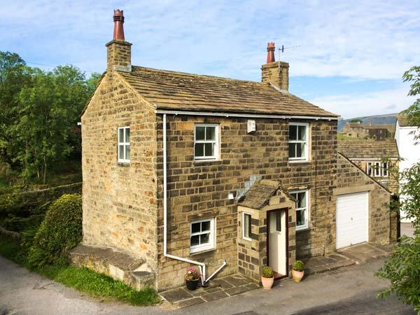 HOLME HOUSE COTTAGE, 17th century, stone-built, woodburner, parking, garden, in Haworth, Ref 919042 - Image 1 - Laycock - rentals
