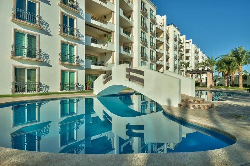 Exterior of building - Luxurious, Affordable 2013 Penthouse Priv Rooftop - Cabo San Lucas - rentals