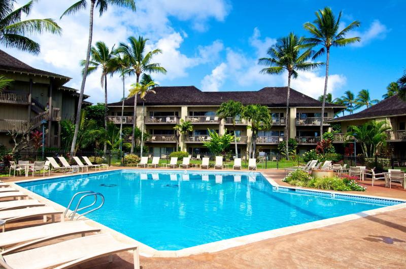 Our great pool - Oceanfront bedroom and 2 ocean view lanais! - Kapaa - rentals