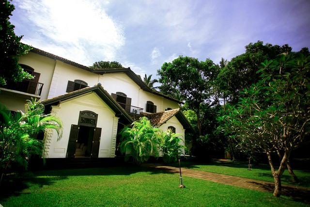 The Villa exterior and gardens - 5 Bedroom Private Villa or per room - Polheena - Galle - rentals