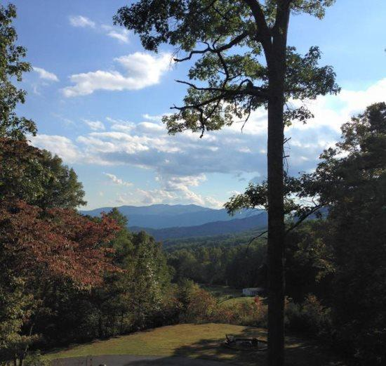 Bruins Den Spacious Group Rental with Fire Pit, View, Hot Tub, and Wi-Fi Just 10 Minutes from the Great Smoky Mountains Railroad - Image 1 - Bryson City - rentals