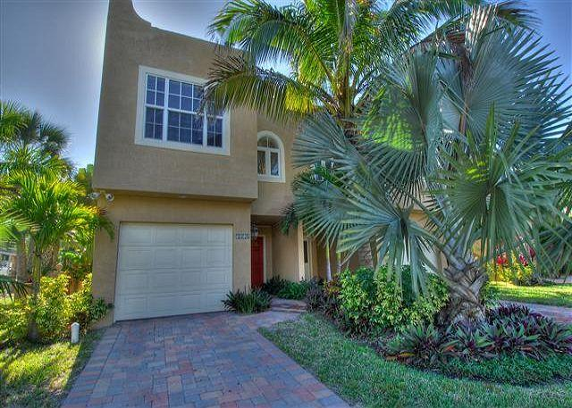 Walk to the village or the beach, everything is in reach. - Image 1 - Siesta Key - rentals