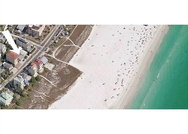 Siesta Key Beachside Getaway Cottage – Walking Distance to Beach and Village - Image 1 - Siesta Key - rentals