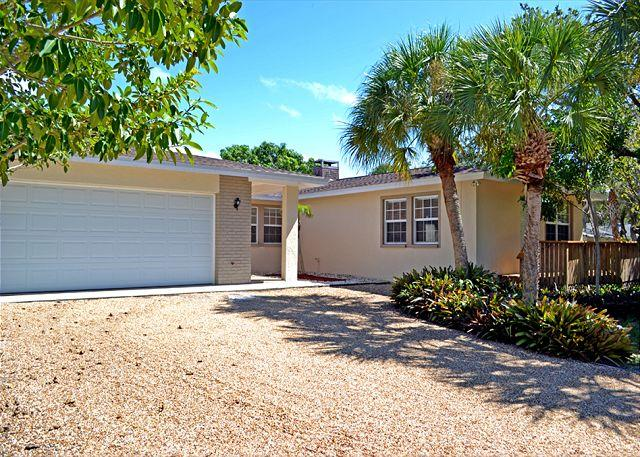 A 3 suite home with pool and plenty of room. - Image 1 - Siesta Key - rentals