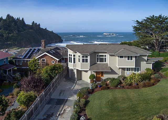 Sunset Vista has breathtaking ocean views of Trinidad Beach. - A Sunset Vista~Soak Up The Ocean Views From Every Room, Footsteps to Beach! - Trinidad - rentals