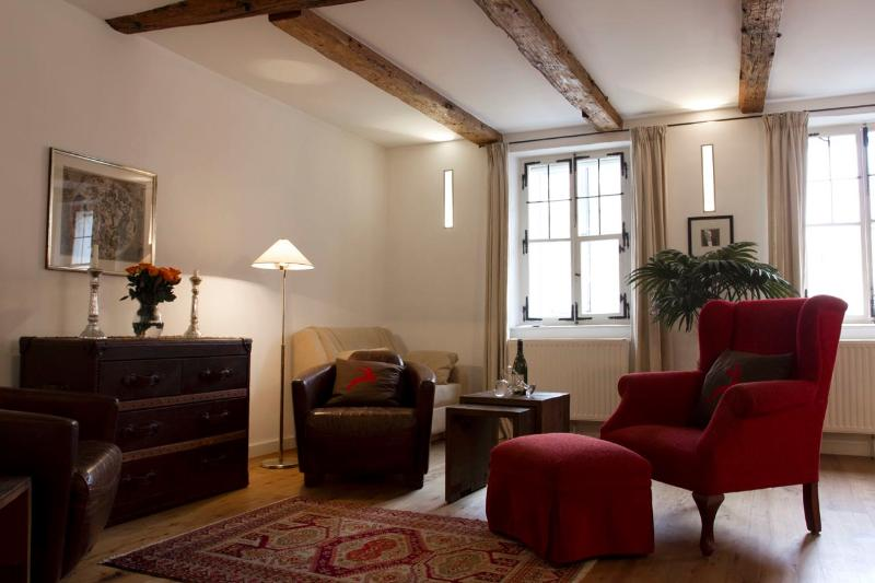 (1) First Class Studio Apartment in the heart of historic old-town Salzburg - Image 1 - Salzburg - rentals