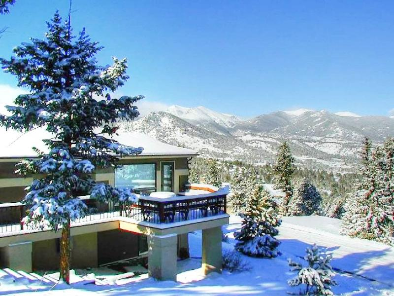 The Kinney at Windcliff: Panoramic RMNP Views, Borders Park, Hot Tub, Wildlife - Image 1 - Estes Park - rentals