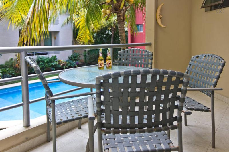 Beautiful terrace - Cozy 2 bdr condo! - 3 blocks to the beach!!! - Playa del Carmen - rentals