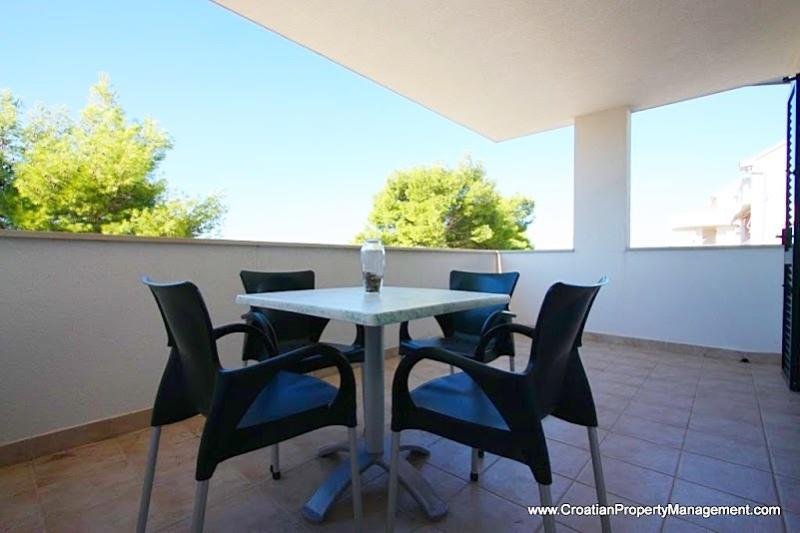Seaside Village  - Apartment Tamaris - Image 1 - Cove Makarac (Milna) - rentals