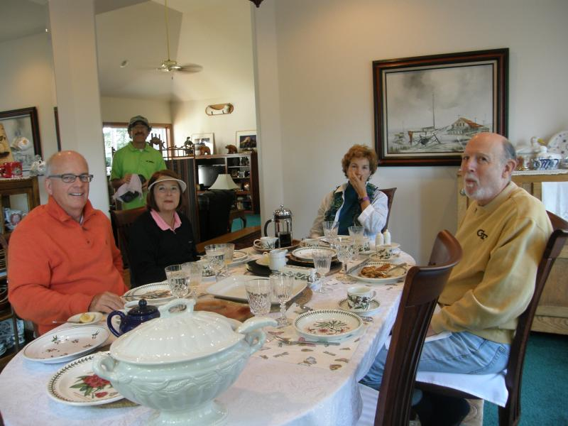 Dinning At Kristfield's Bed and Breakfast - South Whidbey's Kristfield's Bed and Breakfast - Freeland - rentals