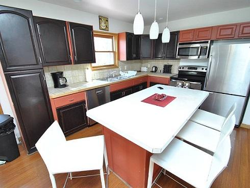 A Masterful Gourmet Kitchen w/Stainless Steel Appliances - Crystal Ship On Blueberry Hill - Tannersville - rentals