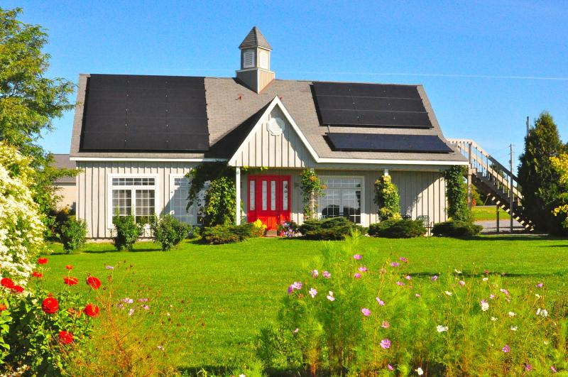 Gorgeous Solar House for your enjoyment! - The Grey Barn - Ithaca - rentals