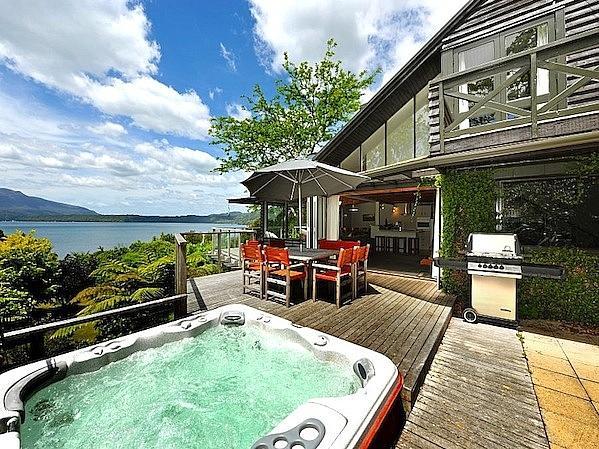 Magic Tarawera - Lake Tarawera Holiday Home - Spa, Outdoor Living, and Views - Magic Tarawera - Lake Tarawera - rentals