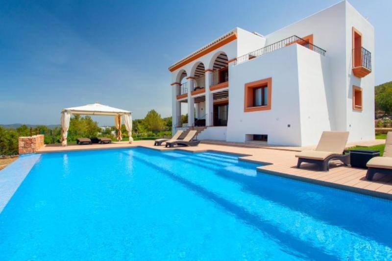 4 bedroom Villa in Benimussa, Ibiza, Ibiza : ref 2246707 - Image 1 - Ses-Paisses - rentals