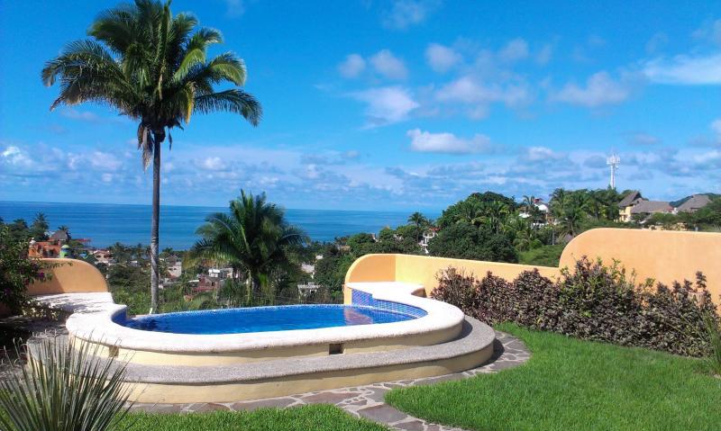 front garden and infinity pool - Casa Luna Llena - Sayulita - rentals