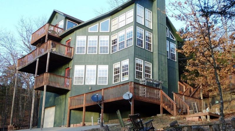 Pine Drive Cabin Beaver Lake View Vacation Home - Image 1 - Garfield - rentals