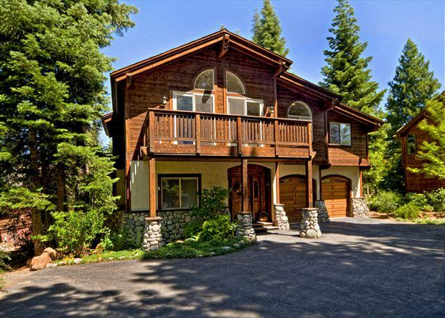Front Exterior - Big & Beautiful 6 BR Luxury Home with all that Northstar Resort Has to Offer - Truckee - rentals