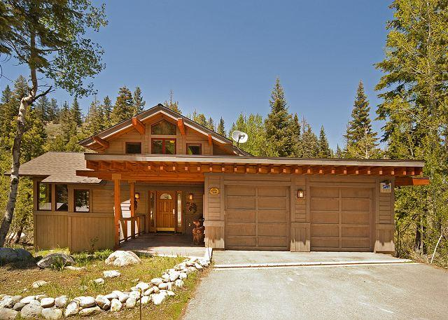 Front Exterior - Creekside in Alpine w/ 5 Masters & Hot Tub - $100 OFF ANY Winter Weekend!!! - Alpine Meadows - rentals