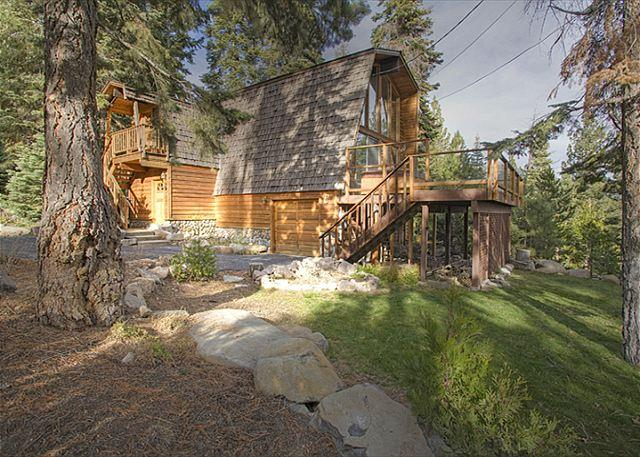 Front Exterior - Rim Drive - 3 BR With Beautiful Lake Views & Hot Tub - 3rd nt 50% off in APR - Tahoe Vista - rentals