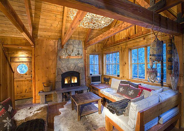Living Room - Sunnyside Cottage - Romantic, Pet-friendly w/ Hot Tub - A GUEST FAVORITE! - Tahoe City - rentals