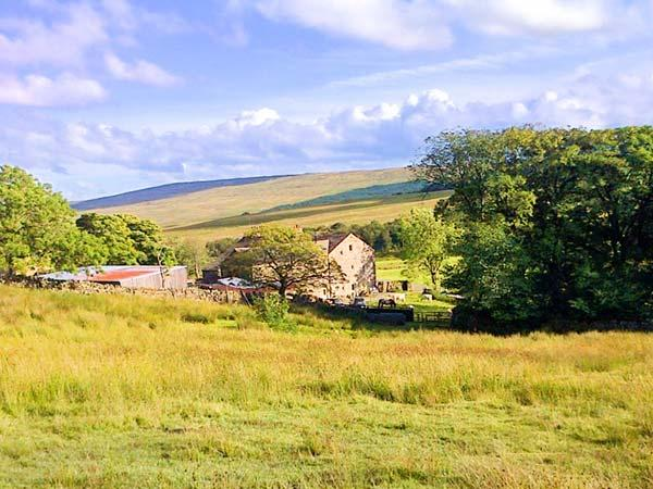 NETHERGILL FARM BYRE, woodburner, en-suite, WiFi, king-size bed, in Oughtershaw, Ref. 22132 - Image 1 - Buckden - rentals