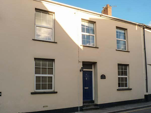 THE OLD POLICE HOUSE, pet-friendly character cottage, garden, close beaches in Braunton Ref 917405 - Image 1 - Braunton - rentals