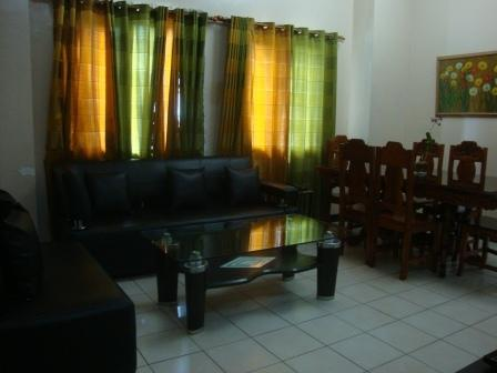 3B Ground Floor Facing Pool-Sleeps 6-10 min to BGC - Image 1 - Taguig City - rentals