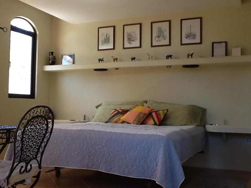 King sized bed - Boquete Guest House - Boquete - rentals