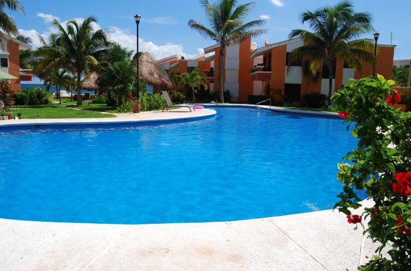 Beachfront Condo & Easy Walk to Town Square. - Image 1 - Puerto Morelos - rentals