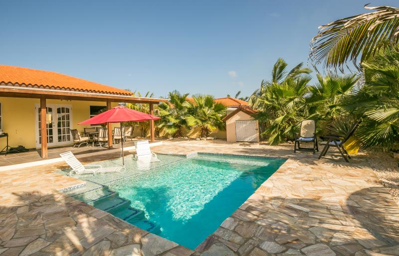 fully fenced backyard features 2 level pool - SAN MIGUEL VILLA - YOUR PERFECT ARUBA GETAWAY! - Noord - rentals