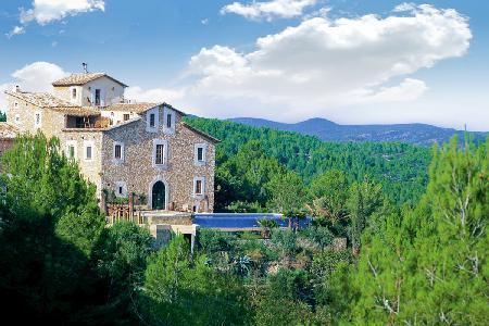 Hillside Almiral de la Font boasts dramatic sea & mountain views from every room - Image 1 - Sitges - rentals