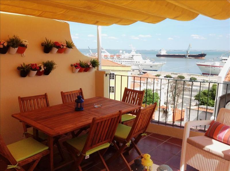 Remedios VI -sunny terrace with river view , fantastic location in historic center - Image 1 - Lisbon - rentals