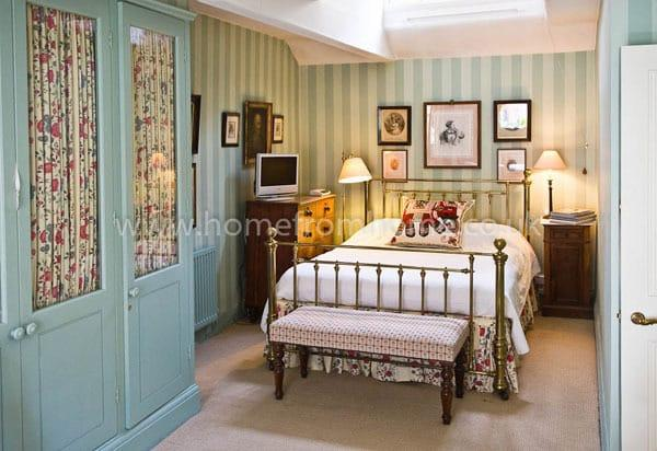 Beautifully decorated mews house, very exclusive area, 5 min walk to Buckingham Palace - Image 1 - London - rentals