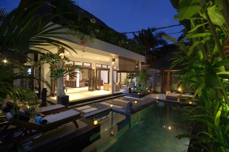 Villa Kipas by night - Villa Kipas - Luxury Villa - 2 mins walk to Beach - Seminyak - rentals