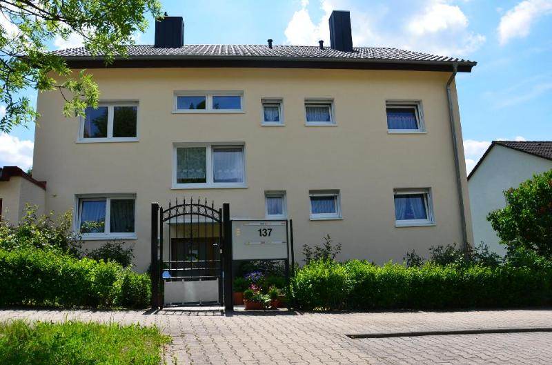 LLAG Luxury Vacation Apartment in Pforzheim - 700 sqft, newly furnished, comfortable, relaxing (# 2603) #2603 - LLAG Luxury Vacation Apartment in Pforzheim - 700 sqft, newly furnished, comfortable, relaxing (# 2603) - Pforzheim - rentals