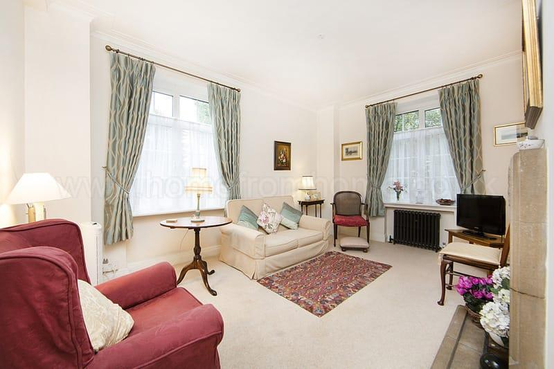 Delightful and cosy 1 bedroom flat, set just off the river embankment- Chelsea - Image 1 - London - rentals