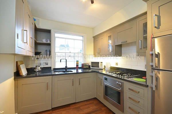 Warm and beautifully decorated apartment, fantastic location- Kensington - Image 1 - London - rentals