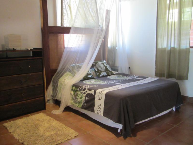 Newly Renovated 1 Bedroom Apt With Full Kitchen - Live under the sun Casa Limon - CASA LIMON - One bedroom apt. with full kitchen for short or long term rental - Playa Potrero - rentals