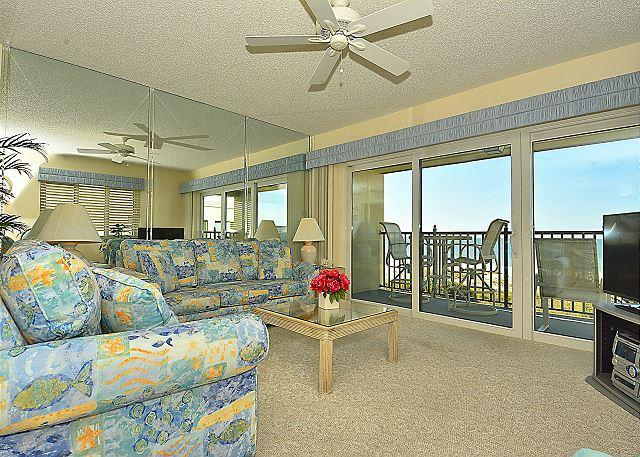 Living Area - Land's End #406 building 7 - Beach Front - Treasure Island - rentals