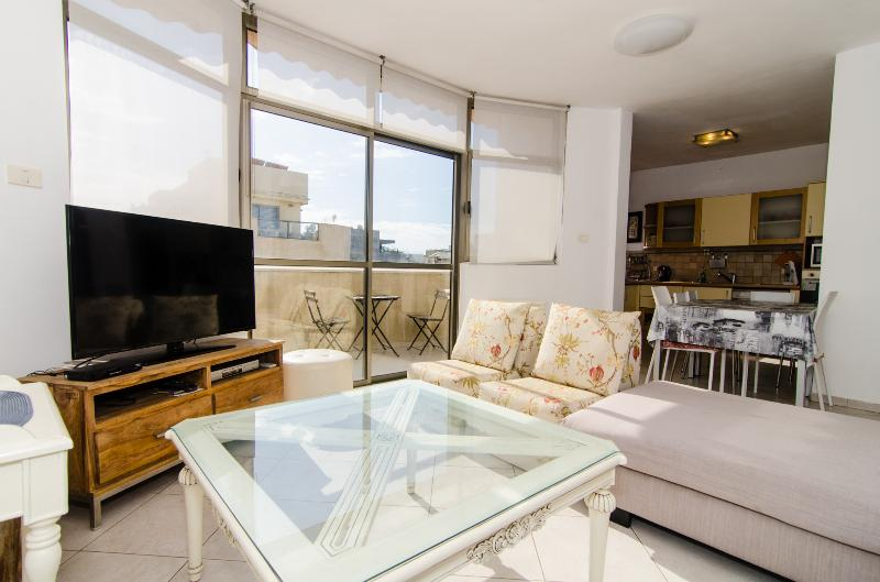 Nakhum Hanavi - Sea View 2 Bed Aptartment - Image 1 - Tel Aviv - rentals