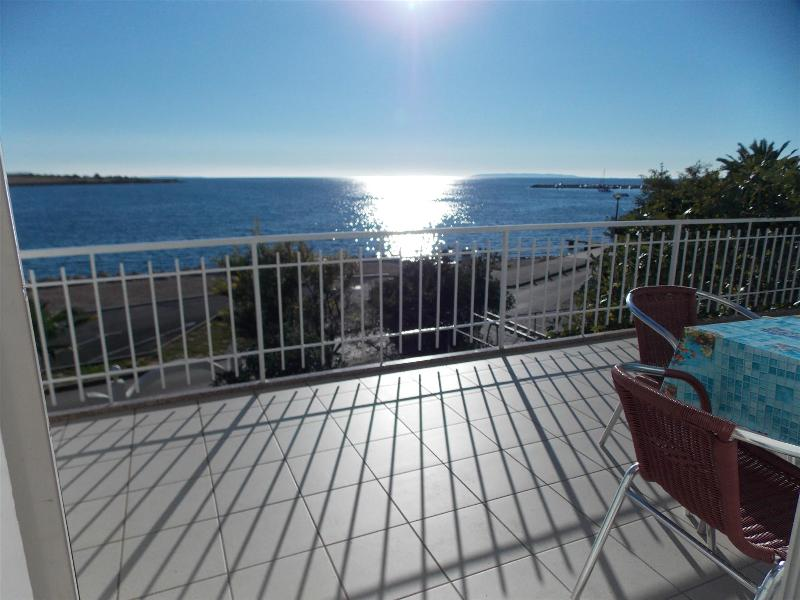 Novalja studio for 3pax near beach with great sea view - Tona 1 (2+1) - Image 1 - Novalja - rentals