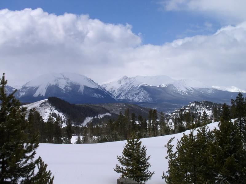 View of Buffalo Mountain - Ski the Rockies by Day and a Cozy Fire at Night!!! - Silverthorne - rentals