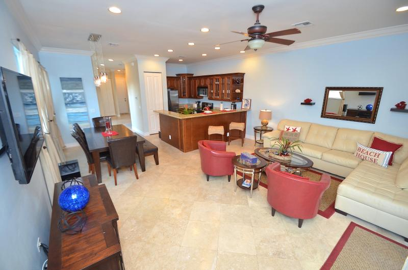 "Spectacular Open Floor Plan Provides Unobstructed Views Throughout The Main Floor... - By The Sea Vacation Villas LLC. ""Vista 39"" Htd Pool + Roof topdeck+walk to beach - Fort Lauderdale - rentals"