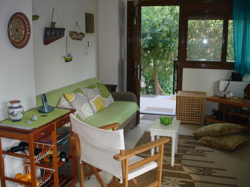 Amazing 1st floor flat, steps from the beach! Sleeps 6people. - Ormo Panagia, 3 bedr flat, steps from sea,1floor! - Sithonia - rentals