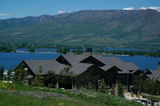 Ski Lake Lodge - Luxury Lodging Near Snowbasin - Image 1 - Huntsville - rentals