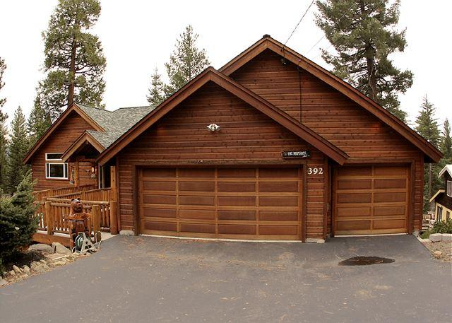Family Friendly 5 BR Lakview w/ Hot Tub & Pool Table! $150 OFF 2 nts in MARCH - Image 1 - Tahoe Vista - rentals